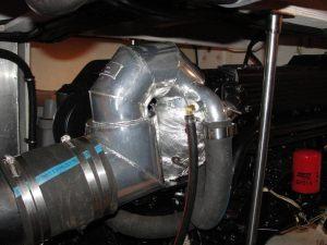 Hino-WO6-250-310HP-wet-exhaust-riser